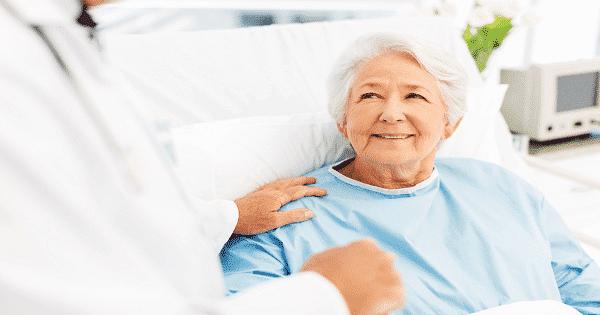 حكاية المرأة العجوز والطبيب وسر الدعاء